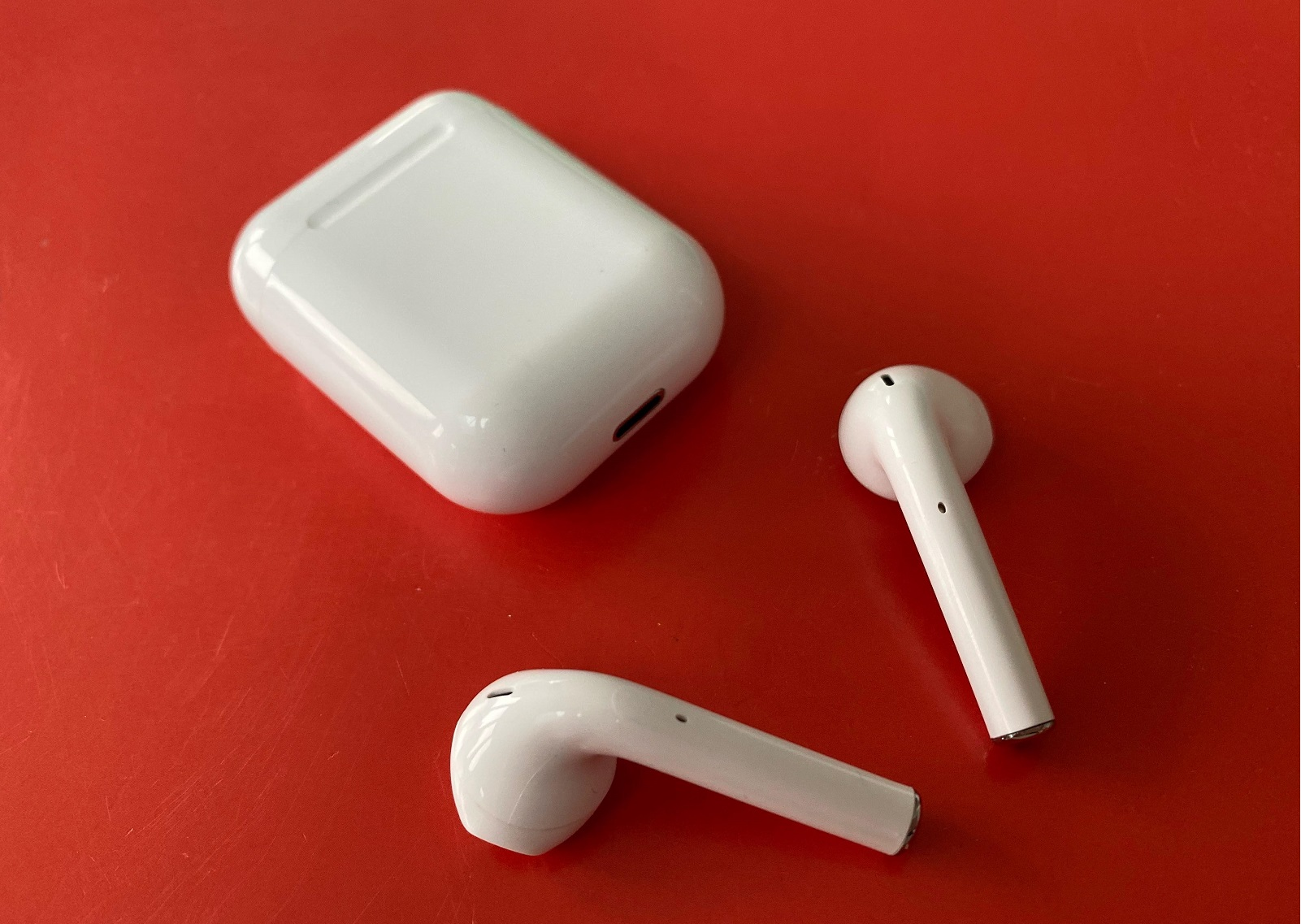 Ice_white_airpods